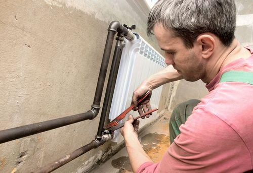 Монтаж радиатора отопления в квартире в Павловском Посаде