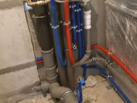 Монтаж труб из сшитого полиэтилена водоснабжения