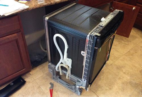 Подключение посудомоечной машины с доработкой коммуникаций в Павловском Посаде