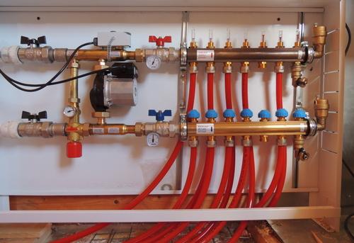 Сборка и установка сантехнической гребенки для теплого пола в Павловском Посаде