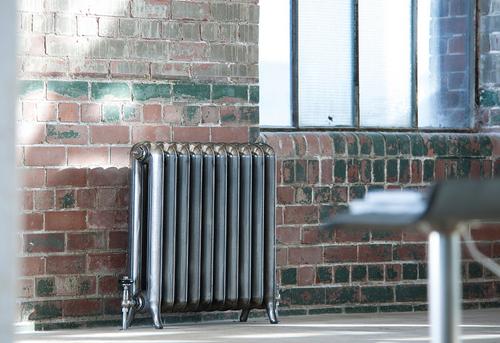 Установка чугунного радиатора отопления в Павловском Посаде