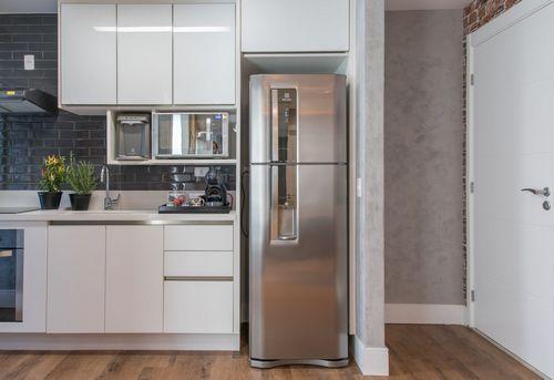 Установка холодильника в нишу в Павловском Посаде